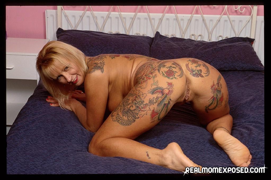 Растотуированная порно актриса 11 фотография